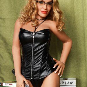 Camille: Aikuinen dominatrix seksinukke