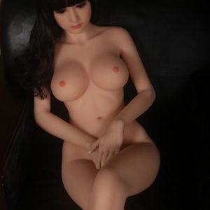 Pippa: Aasialainen seksinukke