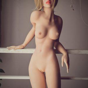 Isabella: Vaalea, japanilainen seksinukke