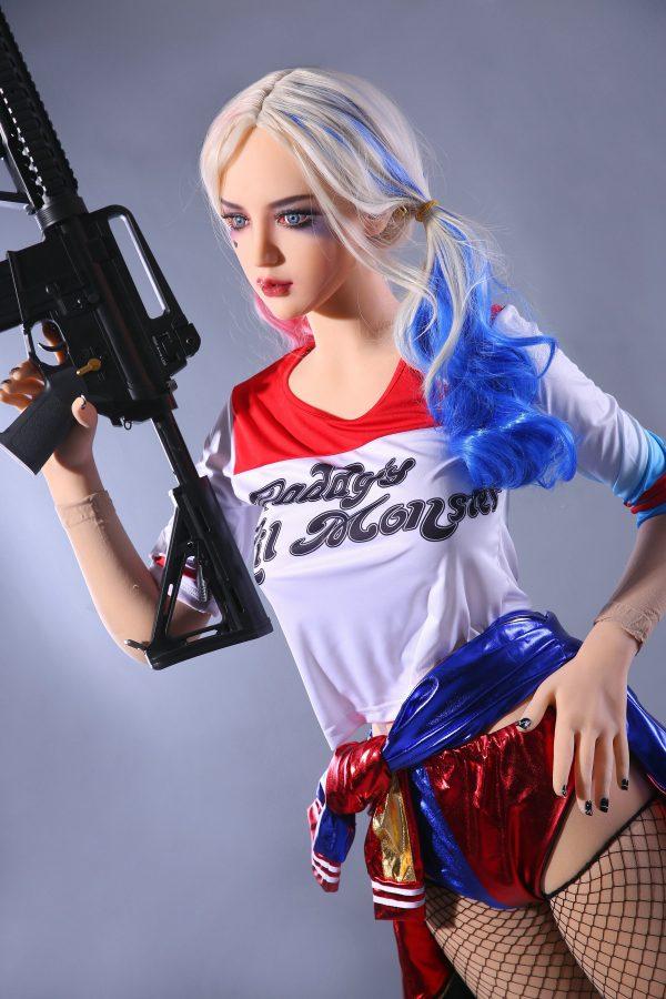 Harley Quinn: Superpahis seksinukke